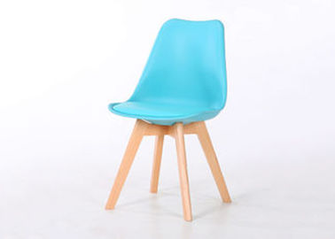 Modern PP And Wooden Dining Chairs With Wooden Beech Legs Lightweight